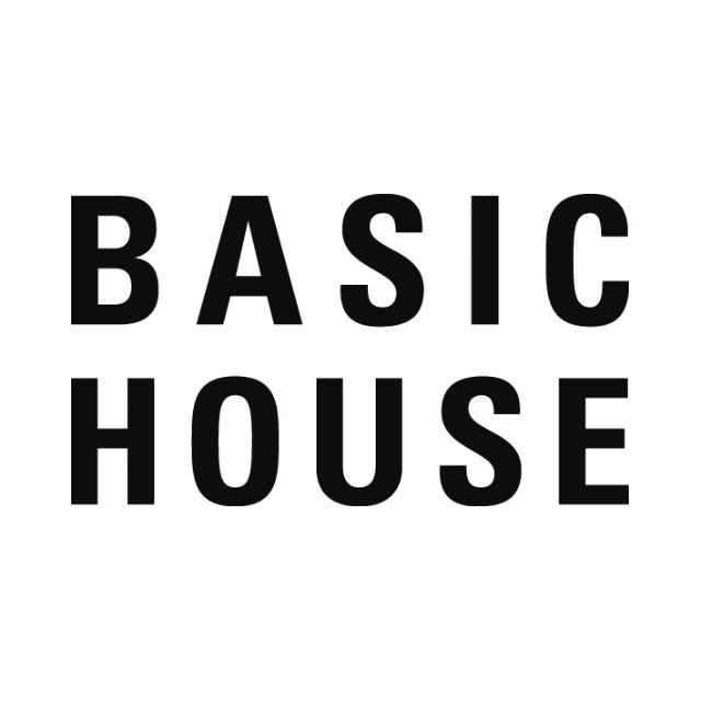 BASIC HOUSE WOMAN