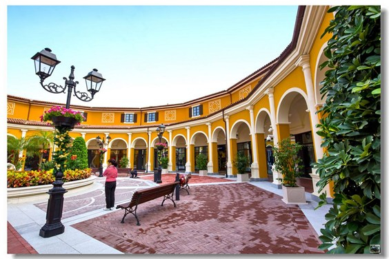 找项目 佛山佛罗伦萨小镇  项目状态 品牌调整 招商状态 项目类型购物