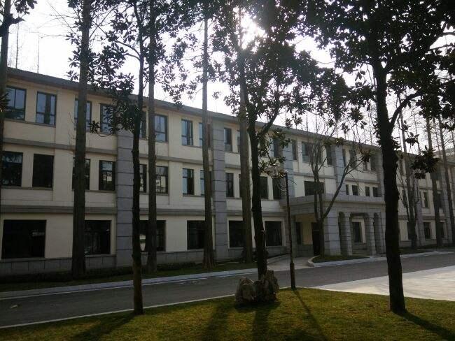 镇江东大院创业广场