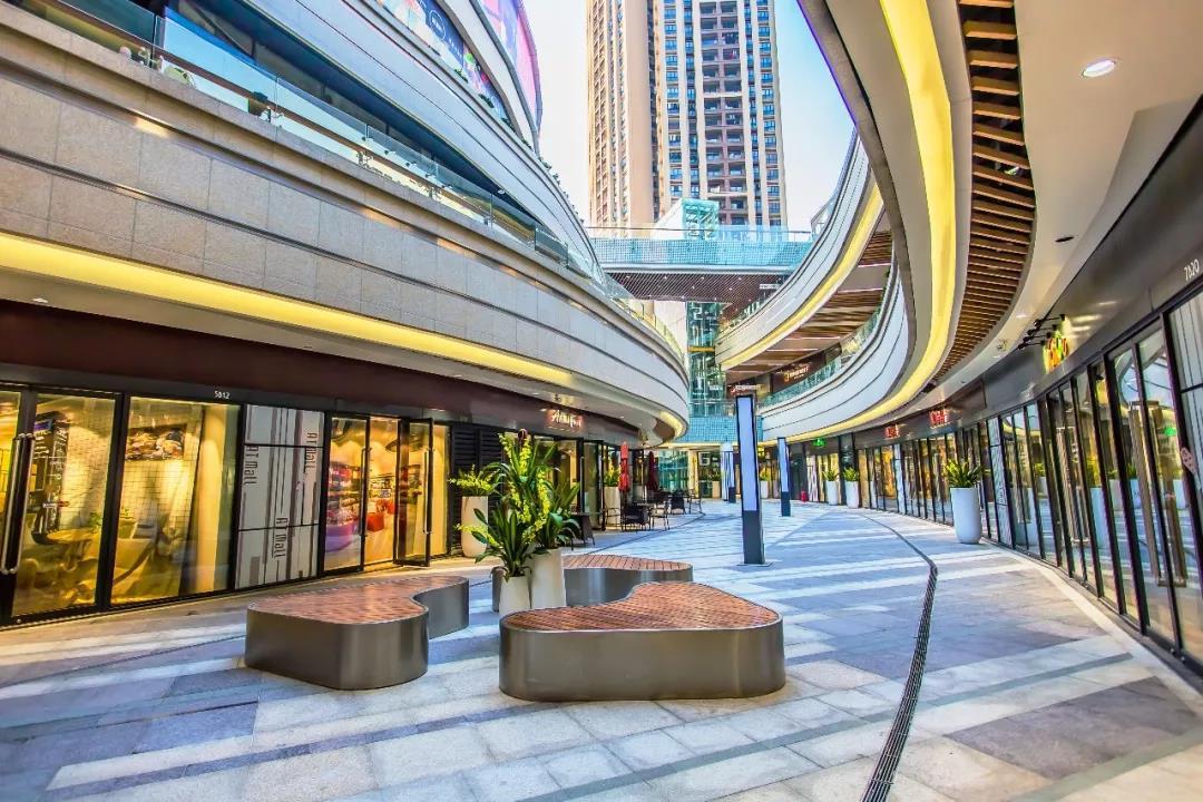 深圳龙华AT mall  购物中心